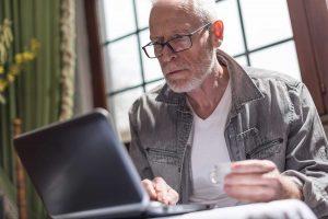 Read more about the article Spędzasz dużo czasu przed telewizorem lub komputerem? Grozi ci niebezpieczeństwo