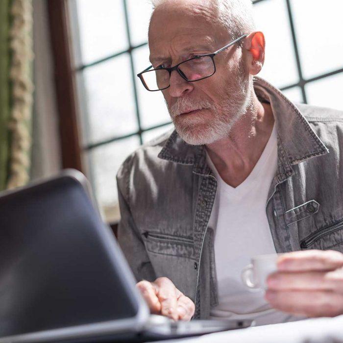 Spędzasz dużo czasu przed telewizorem lub komputerem? Grozi ci niebezpieczeństwo