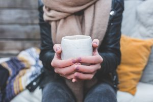 Picie gorących napojów zwiększa ryzyko zachorowania na raka przełyku