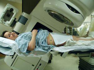 Read more about the article Radioterapia: często stosowana, coraz bezpieczniejsza